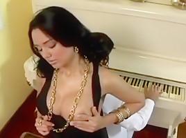 Big Huge Titty Nipple Boob Videos